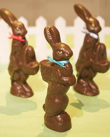 Faux-Chocolate Bunnies How-To: Easter Dinners, Fauxchocol Bunnies, Faux Chocolates Bunnies, Chocolate Bunny, Easter Bunnies, Easter Tables, Easter Decor, Martha Stewart Crafts, Candy Moldings