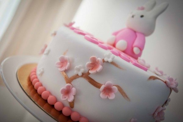 Babyshower Nijntje bloemen taart - MA Bella Cakery