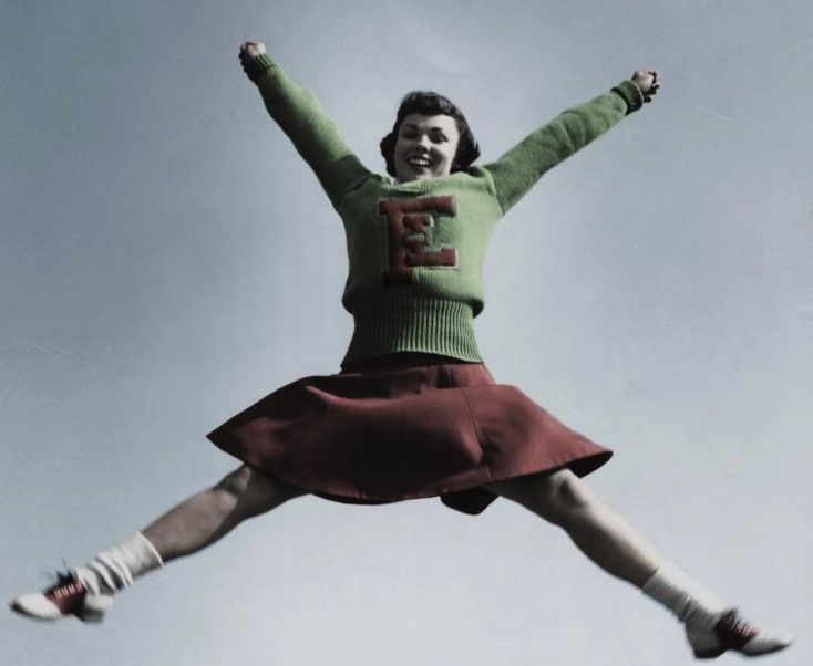 #tbt do you know your cheerleading history? Check it on http://bit.ly/CheerleadingHistory #Cheer #Cheerleading #vintage