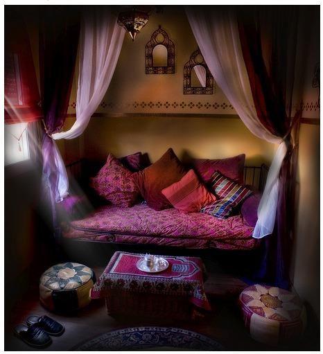 Eye For Design: Decorating Moroccan Style......Elegant and Exotic  from: http://eyefordesignlfd.blogspot.com.au/2013/04/decorating-moroccan-styleelegant-and.html
