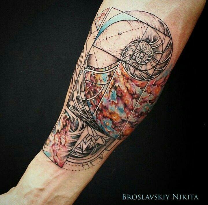 By Nick Broslavskiy | Ukraine | #Fibonacci #Tattoo #geometry #SacredGeometry…