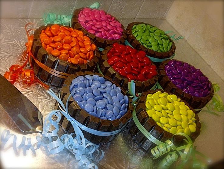 Cake Decorating Ideas With Smarties : Kit Kat & Smartie cake Kids cakes Pinterest Cakes