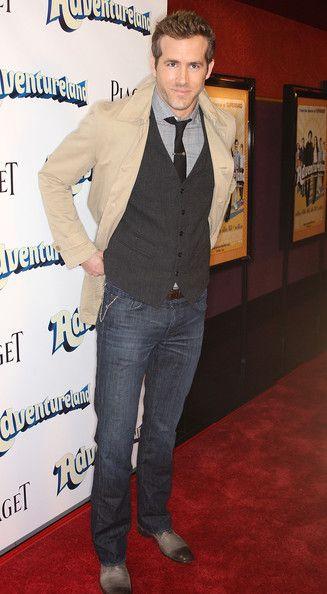 "Ryan Reynolds Photos - Premiere Of Miramax Films' ""Adventureland"" - Arrivals - Zimbio"
