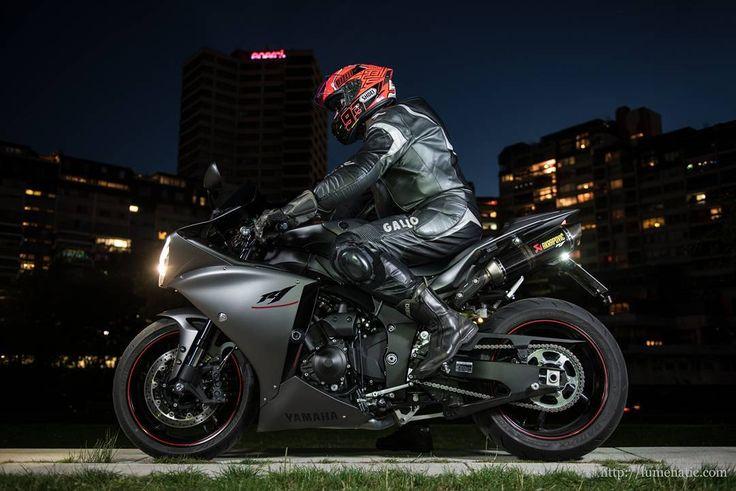 Yamaha YZF-R1 Motorcycle Photography Julian Eichhoff http://ift.tt/2ecNGwc Blog: http://lumenatic.com  #motorbike #motorcycle #bike #motorcyclephotographer #hannover #hanover #yamaha #yzf #r1 #ihme #ihmezentrum #magichour