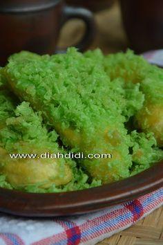Diah Didi's Kitchen: Pisang Kremes Pandan