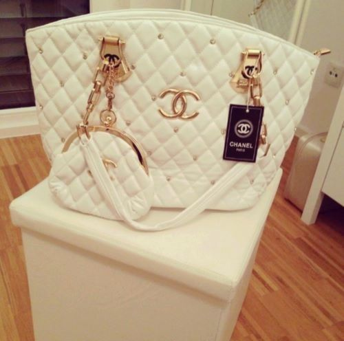 Chanel cream/gold purse and wallet