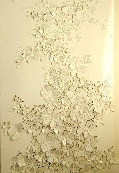 afbeelding op canvas doek aanbrengen en deels opensnijden. mooi met verlichting erachter!  gevonden op www.pinterest.nl