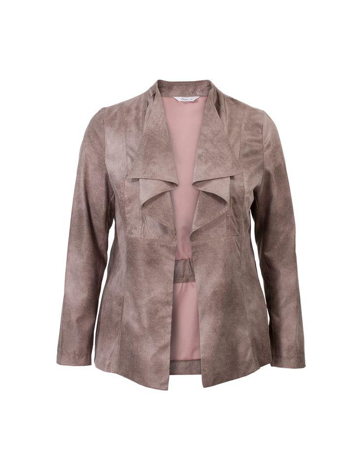 Paarse blazer met lange mouwen en een openvallende hals. Dit jasje is voorzien van elastiek in de taille en heeft een allover metallic glans. Gemaakt van zachte suedine kwaliteit.  Dit artikel behoort tot de Etam Plus grote maten collectie.
