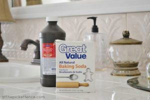 Shower tile grout can get disgusting. Look at 5 ingenious ways to clean it – Page 2 – 1K Recipes!