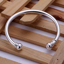 Bracelet jonc en argent #argent #bijoux #bracelet                                                                                                                                                                                 Plus