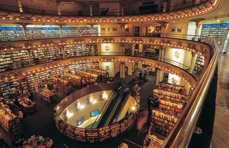 muy buen!! 美しすぎる ブエノスアイレス の El Ateneo 書店 ―― ブエノスアイレス に 旅行した時 知ってたら 行きたかったのに!!
