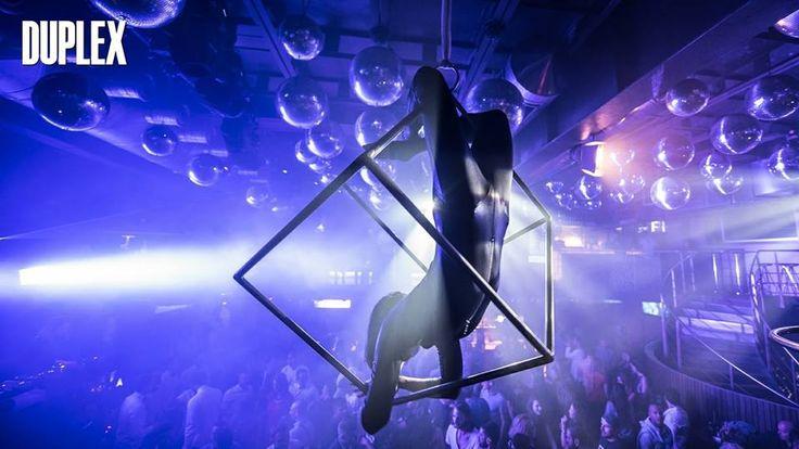 Vita notturna a Praga nel club più fashion della città...il DUPLEX