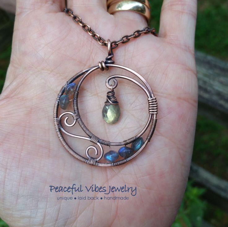 Labradorite Moon Necklace Wire Wrapped Handmade A Kind Crescent Pendant   – Schönes