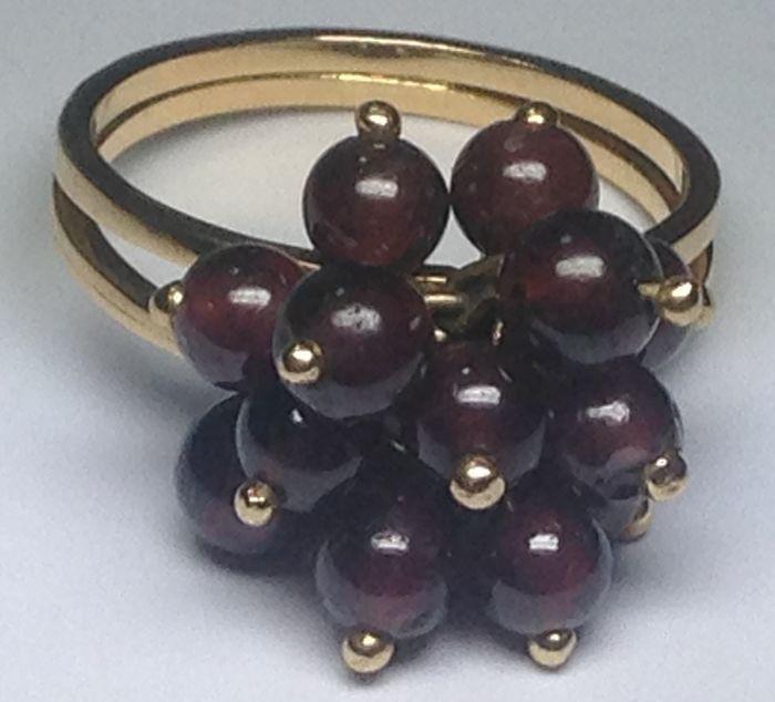 Online veilinghuis Catawiki: Gouden ring met paarse amethist, zonder reserveprijs