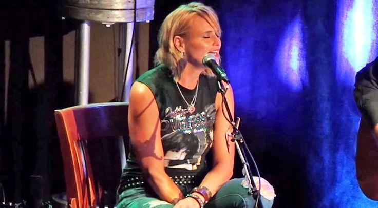 Country Music Lyrics - Quotes - Songs Miranda lambert - Miranda Lambert Performs 'Girl Crush' At Sold Out Venue In Nashville (VIDEO) - Youtube Music Videos http://countryrebel.com/blogs/videos/53581571-miranda-lambert-performs-girl-crush-at-sold-out-venue-in-nashville-video