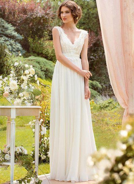 Spitze und Chiffon Brautkleid von iVi Wedding Dress auf DaWanda.com