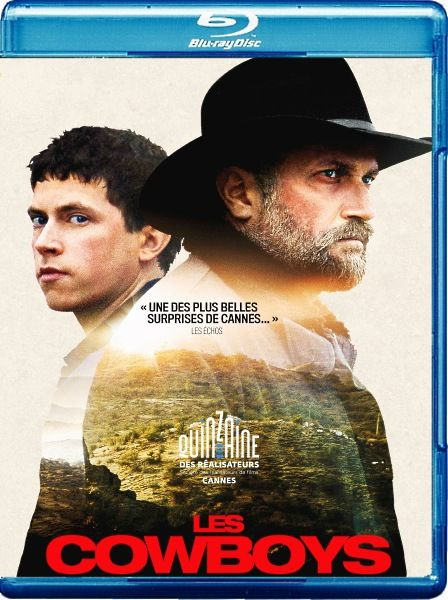 """Ковбои / Les cowboys (2015/BDRip/HDRip)  Счастливое французское семейство, увлечённое американским диким западом, выбирается в провинцию, где проходит тематический фестиваль """"Ковбои"""". Алан, его жена и сын – настоящие ковбои, они обожают вестерны, ковбойские шляпы, лошадей и все, что связано с Диким Западом, однако их дочь своими мечтами и мыслями далека от своей семьи. Прямо посреди праздника Келли бесследно исчезает. Подозревая самое ужасное, отец бросается на поиски Келли, чтобы узнать…"""