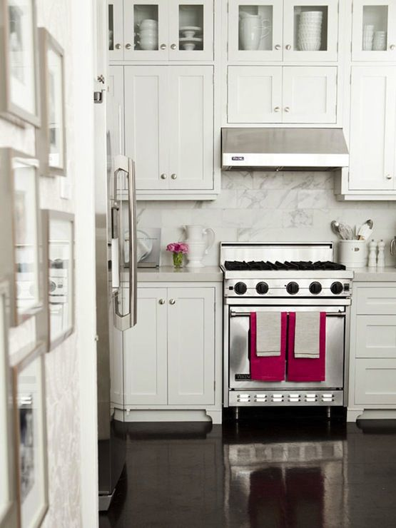 cabinets: Stainless Steel Appliances, Upper Cabinets, Glasses Doors, Caitlin Wilson, Granite Countertops, Pink Accent, White Cabinets, Dream Kitchens, White Kitchens