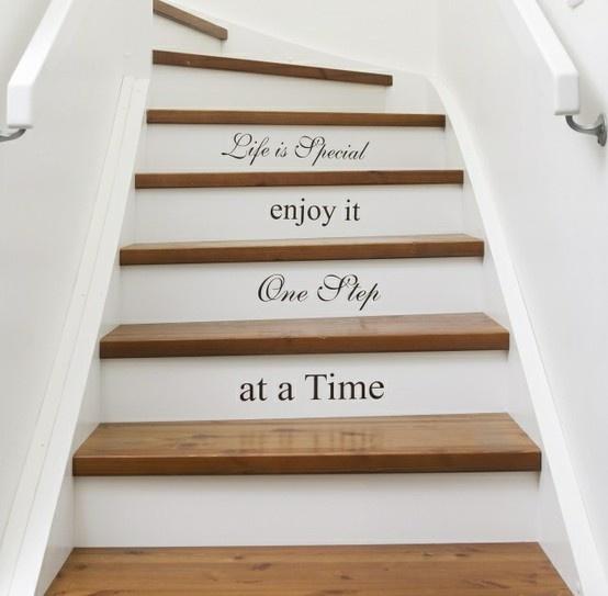 Leuk idee voor de stootborden van de trap!