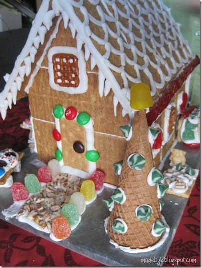 graham cracker ginger bread houses that won't fall apart