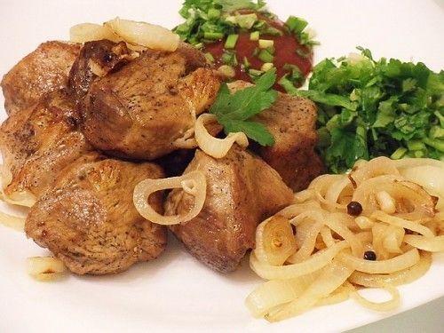 Свиной шашлык на сковороде