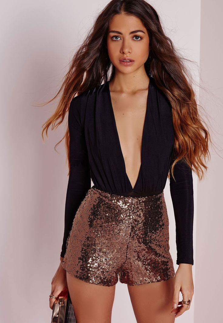 Hot damn girl! You're deffo goina raise the temp in these sequin beauts. Featuring all over sequins what more could you possibly want from a pair of party shorts? Team with a black bodysuit, blazer and strappy heels to get the look.