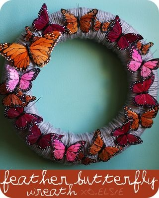 The colors of the butterflies are great.: Springwreath, Diy Butterflies, Ideas, Wreaths Diy, Front Doors, Butterflies Wreaths, Spring Wreaths, Feathers Butterflies, Yarns Wreaths