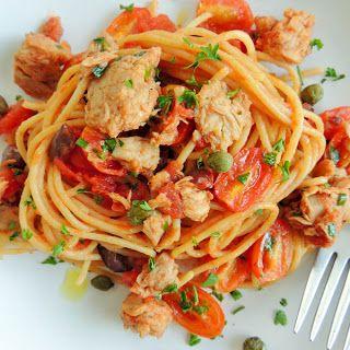 Denny Chef Blog: Spaghetti con tonno, olive e capperi