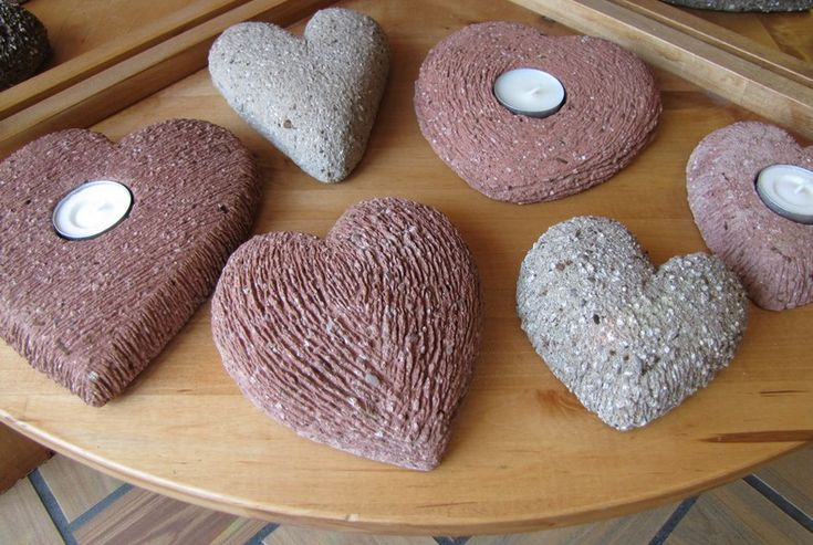 Hypertufa hearts. want to figure out how to make these- very cute