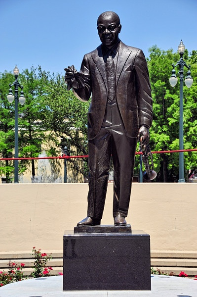 best louis armstrong images louis armstrong louis armstrong congo square