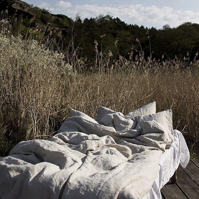 Harvest time! #linen#nature#slowliving ••• #tellmemore#tellmemoregbg www.tellmemore.nu