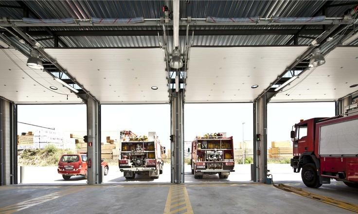 #AngelMir particpó en el suministro de las #puertas del nuevo parque de #Bomberos de #Calaf #fireman #firewoman #Catalunya #Spain #arquitectura #architecture