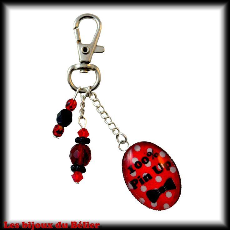 """Porte-clés ou bijou de sac rouge avec message personnalisé """"100% pin up"""" : Porte clés par les-bijoux-du-belier"""