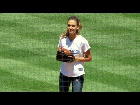 Jessica Alba First Pitch at Dodger Game Today 8-17-2014 - http://hagsharlotsheroines.com/?p=38226