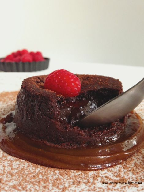 Paleo Chocolate Molten Lava Cake #CleanEatingWithaDirtyMind