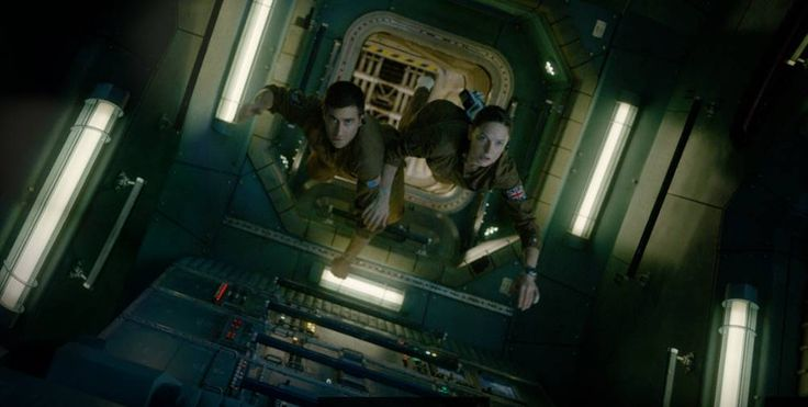 awesome New 'Life' featurette: The upcoming sci-fi movie stars Jake Gyllenhaal & Ryan Reynolds