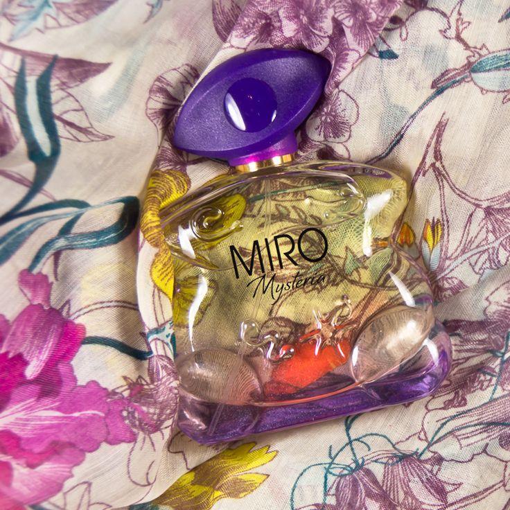 Miro hat tolle neue Düfte auf den Markt gebracht - mit Mysteria unter anderem ein gelungenes Dupe zu einem der beliebtesten Damen-Parfums! :-) http://www.marie-theres-schindler.de/miro-mysteria-miro-corrida-men-black-edition-parfum/
