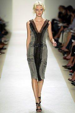 Carolina Herrera Spring 2004 Ready-to-Wear Fashion Show - Caroline Winberg, Carolina Herrera