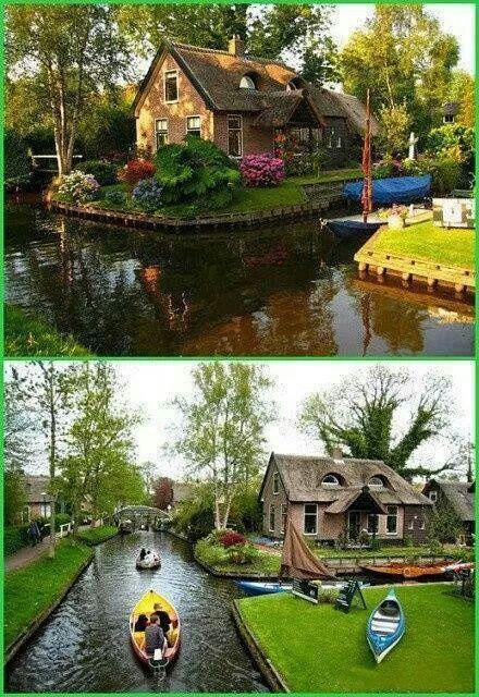 El transporte es sólo en bote y bicicleta. Giethoorn Village, Holanda