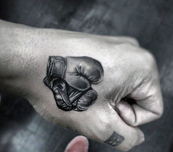 Resultado de imagen para tattoo de guantes de boxeo
