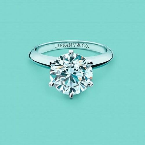 so simple so beautiful so classic. My dream ring!