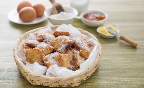 http://www.vistochebuono.it/ricette/tortelli-di-carnevale-ripieni-di-marmellata
