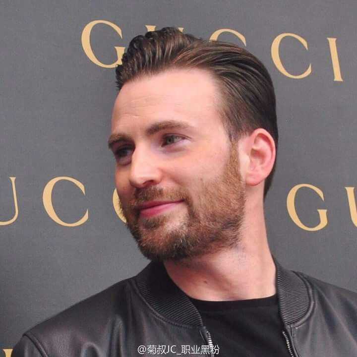 Chris Evans visiting new Gucci store in Shangai 2015