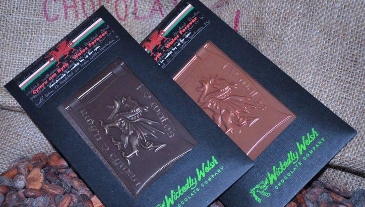 """""""Cymru am Byth"""" Milk Chocolate Dragon"""
