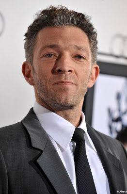 Il s'appelle Vincent Cassel. C'est un acteur français. Il a agi dans Jason Bourne.