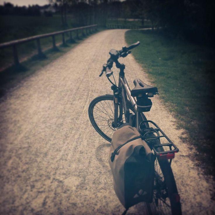Instagram picutre by @bikingtom: On my way to #work  #mdrza #fahrrad #pendler #ebike #pedelec #spaß #fun #werrastetderrostet #gesund - Shop E-Bikes at ElectricBikeCity.com (Use coupon PINTEREST for 10% off!)