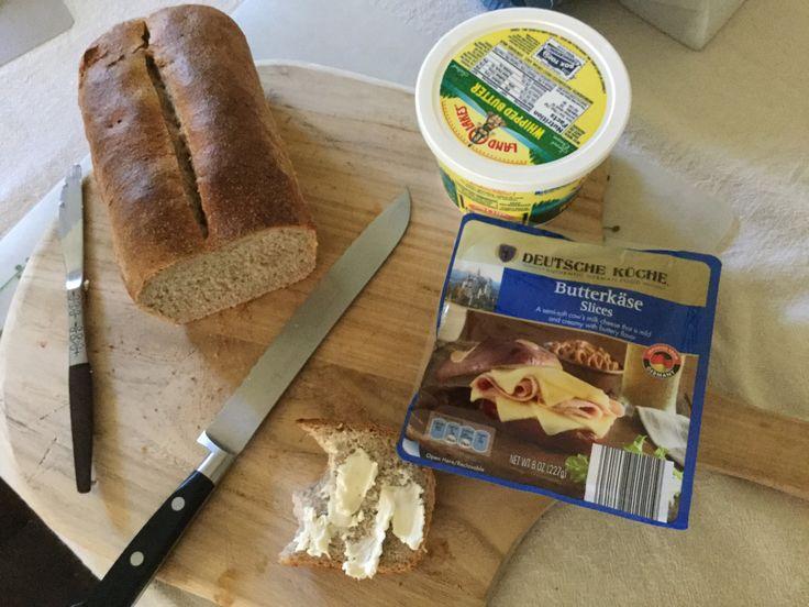 Schau mal was ich beim Aldi gefunden habe! Käse! Butterkäse! Yummy - cheddar käse aldi