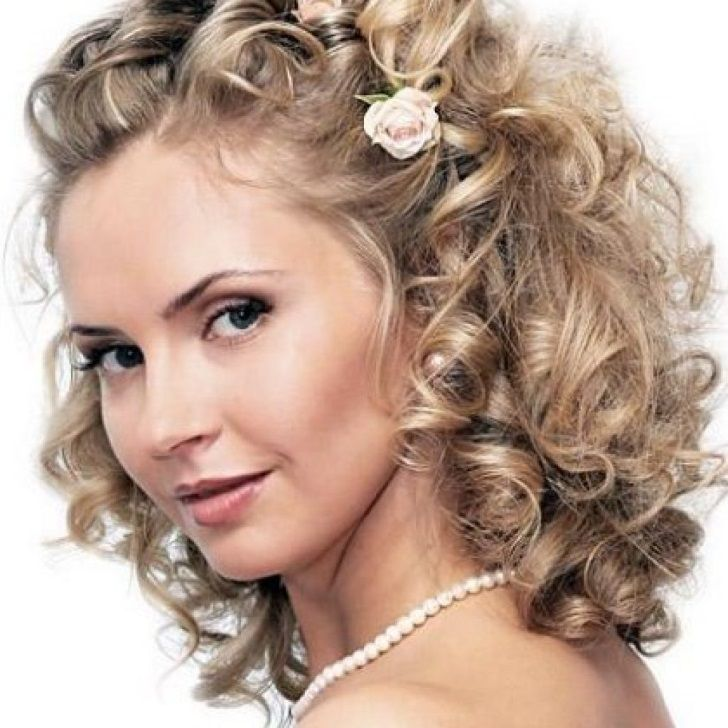 Fabulous 1000 Ideas About Curly Bridesmaid Hairstyles On Pinterest Hairstyles For Women Draintrainus
