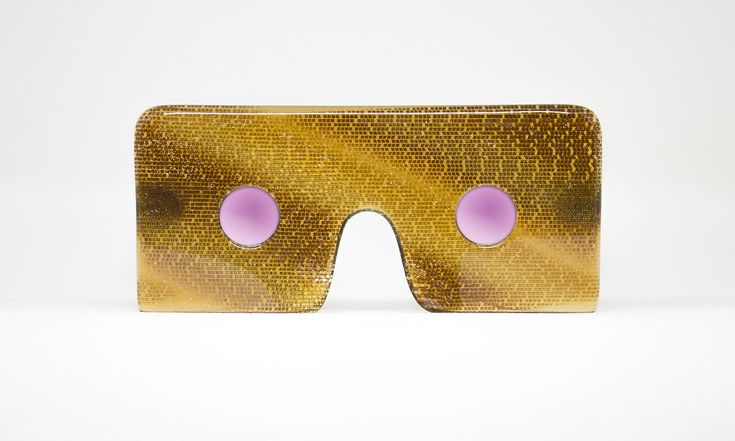 Nastassia Aleinikava navrhla extravagantní kolekci brýlí Utopie inspirovanou sci-fi