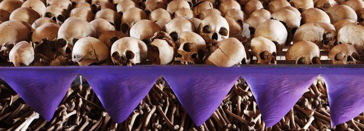 Spécialiste de la Première Guerre mondiale, Stéphane Audoin-Rouzeau n'avait pas prévu de bifurquer sur le génocide rwandais. Secoué après un voyage sur place, l'historien s'est juré de dépasser la distance polie des sciences humaines pour s'enfoncer au cœur des ténèbres